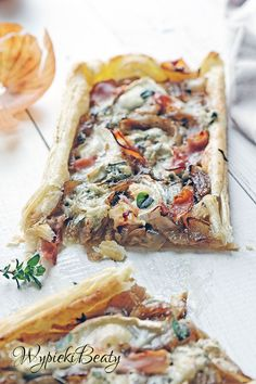 tarta z karmelizowaną cebulą_6 My Favorite Food, Favorite Recipes, Polish Recipes, Healthy Dishes, Vegetable Pizza, Quiche, Food And Drink, Appetizers, Cooking