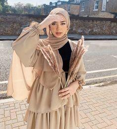 Modest Fashion Hijab, Street Hijab Fashion, Modesty Fashion, Skirt Fashion, Fashion Outfits, 70s Fashion, Hijab Casual, Color Fashion, Fashion Wear
