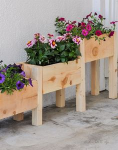 A DIY Cedar Tiered Planter – perfect beginner woodworking project! Can be built … A DIY Cedar Tiered Planter – Woodworking Projects That Sell, Woodworking Projects Diy, Popular Woodworking, Diy Wood Projects, Wood Crafts, Woodworking Plans, Woodworking Beginner, Woodworking Machinery, Woodworking Classes