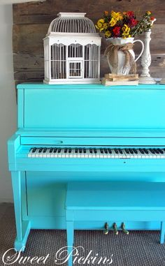 Take the Side Street: It's In The Details: Painted Pianos (broken piano art) Painted Pianos, Painted Furniture, Diy Furniture, Piano Art, Piano Room, Love Your Home, My Dream Home, Turquoise Cottage, Old Pianos