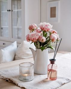 """. . �������  � on Instagram: """"Fave . ⠀⠀⠀⠀⠀⠀⠀⠀⠀ ⠀⠀⠀⠀⠀⠀⠀⠀⠀ Die Queen aller Blumen ... ich hab sie auch endlich am Tisch stehen ! ⠀⠀⠀⠀⠀⠀⠀⠀⠀ ⠀⠀⠀⠀⠀⠀⠀⠀⠀ Hebt trotz schlechten…�"""
