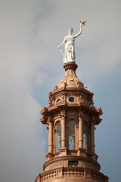 The Goddess of Liberty (Texas State Capitol building in Austin) Texas State Capitol, Texas Pride, Eyes Of Texas, Texas Travel, Rv Travel, Texas Forever, Loving Texas, Lone Star State, Capitol Building