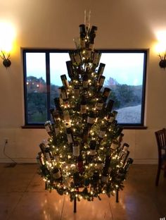 Vineyard B&B at lost creek proudly displaying one of our wine bottle trees #winebottletrees #winebottlechristmastree