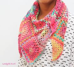 Mille Colori Granny Square Scarf - Free knitting and crochet patterns for summer! Crochet Shawls And Wraps, Crochet Scarves, Crochet Clothes, Crochet Hats, Crochet Shrugs, Crochet Granny, Diy Crochet, Crochet Stitches, Crochet Patterns