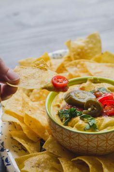 Recipe: Creamy Vegan Queso Dip — Vegan Munchies by Gina Eykemans