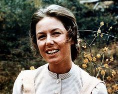 Karen Grassle is Stunning!!! She was always my favorite on little house on the prairie!!