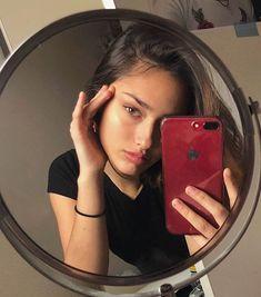 only lockscreens and icons. Girl Photo Poses, Girl Photography Poses, Selfie Posen, Shotting Photo, Instagram Pose, Insta Photo Ideas, Aesthetic Girl, Tumblr Girls, Foto E Video