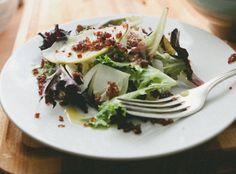 Shaved Fennel Salad with Apple & Crispy Quinoa . crisp like an autumn morning. Vegetable Salad, Vegetable Side Dishes, Crispy Quinoa, Vegetarian Recipes, Healthy Recipes, Fennel Salad, Menu, Clean Recipes, Soup And Salad