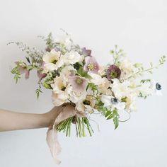 95 Beautiful Pastel Wedding Decor Ideas for the Spring - Bellestilo Small Bridal Bouquets, Bride Bouquets, Bridesmaid Bouquet, Floral Bouquets, Spring Wedding Flowers, Bridal Flowers, Flower Bouquet Wedding, Floral Wedding, Bouquet Of Flowers