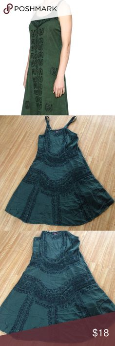 Brahma embroidered dress Worn in good condition no rips or stains. From straps 38 inches long braja Dresses Midi