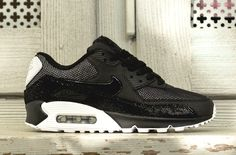 Check Out The Great Materials On This Nike WMNS Air Max 90 Premium - KicksOnFire.com