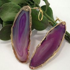 Don't get caught under the mistletoe this holiday season without these Agate Slice earrings ;)