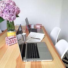 Allez, allez ! Dernière réunion avant les vacances  Thanks god it's friday ! ► www.verymojo.com ◄