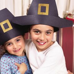 Pilgrim hat how-to guide. Cute pilgrim craft for Thanksgiving! Thanksgiving Hat, Thanksgiving Preschool, Thanksgiving Crafts For Kids, Thanksgiving Decorations, Thanksgiving Recipes, Pilgrims And Indians, Happy Home Fairy, Hat Crafts, Kids Crafts