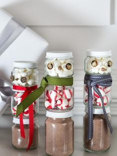 Put a new spin on an old #holiday classic with hot chocolate snowmen made from baby food jars.