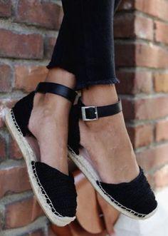 Shoes - Modest Summe