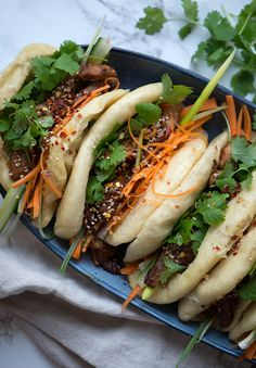 Steamed Bao - wonderfully delicious recipe with marinated neck .- Dampede Bao – fantastisk lækker opskrift med marineret nakkekotelet Bao Asian ➙ Recipe from Valdemarsro. Burger Bar, Food N, Food And Drink, Easy Cooking, Cooking Recipes, Vejle, Asian Recipes, Healthy Recipes, Vegan Coleslaw