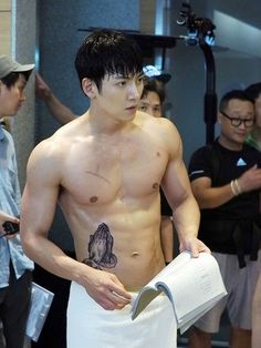 This is a page for all fans of Ji Chang Wook Disclaimer: I am not Ji Chang Wook or know Ji Chang Wook. Ji Chang Wook Abs, Ji Chang Wook Healer, Ji Chan Wook, Korean Star, Korean Men, Asian Men, Asian Actors, Korean Actors, Live Action