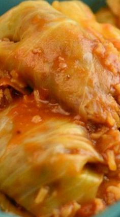Pressure Cooker Stuffed Cabbage Rolls Recipe It's no secret that I am in LOVE with my new Instant Pot Electric Pressure cooker and this Pressure Cooker Stuffed Cabbage Rolls recipe is proof! Tupperware Pressure Cooker Recipes, Power Cooker Recipes, Microwave Pressure Cooker, Tupperware Recipes, Power Pressure Cooker, Pressure Cooking Recipes, Instant Pot Pressure Cooker, Ground Beef And Cabbage, Cooked Cabbage