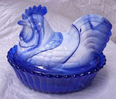 WESTMORELAND COBALT BLUE & WHITE MILK SLAG GLASS HEN ON NEST - REPAIRED