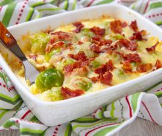 Baconös-sajtos kelbimbó recept | Mindmegette.hu Cabbage Casserole, Bacon And Egg Casserole, Cabbage And Bacon, Cabbage Recipes, Vegan Burrito, Low Carb Breakfast Casserole, Simply Yummy, Sprout Recipes, Lchf