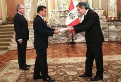 El Presidente del Perú, Ollanta Humala, recibió en el Salón Dorado de Palacio de Gobierno al nuevo Embajador de Italia, Dr. Mauro Marsili, quien oficialmen