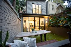 A recent complete makeover we did of a terrace style house in Sydney's city side suburb of Kirribilli. Here is the beautiful backyard lit up.