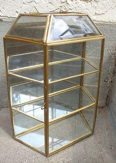 VINTAGE BRASS GLASS U0026 MIRROR CURIO DISPLAY CASE WALL CABINET 3 TIER SHELF +  DOOR