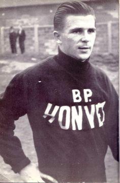 Puskás Ferenc Football Kits, Vintage Football, Dream Team, Nostalgia, Men Sweater, Shit Happens, People, Sport, Homeland