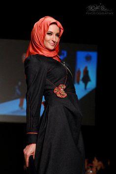 Rabia Z - Fashion Show