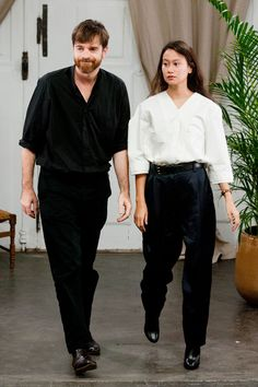 Sarah Linh Tran is the muse/wife of fashion designer Christophe Lemaire. I'm obsessed with the brand itself but especially with her style. Christophe Lemaire, Fashion Gone Rouge, Stylish Couple, Paris Mode, Fashion Designer, Inspiration Mode, Fashion Couple, Couple Outfits, Parisian Chic