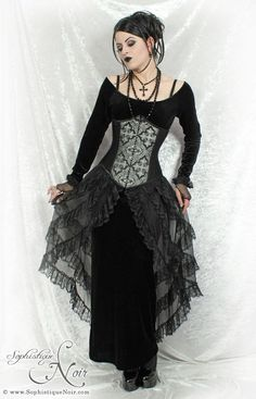I love this alternative fashion gothic outfit and necklace. her hair is pretty too Goth Beauty, Dark Beauty, Tribal Fusion, Gothic Dress, Gothic Lolita, Gothic Art, Dark Gothic, Dark Fashion, Gothic Fashion