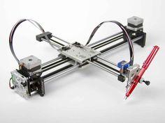 Con este plotter puedes imprimir sobre cualquier superficie, desde una hoja de papel tamaño carta, hasta cartones de distintos grosores. Y además puedes ut