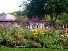 We'll be surrounded by the Grand's famous gardens as we learn more about gardening - how fabulous is that?!