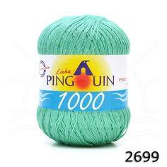 Usei 2 novelos do fio Pingouin 1000 duplo na cor verde Piscina agulha 2,00 mm para tecer a blusa e 2,25 mm para tecer o babado.  Tamanho M....