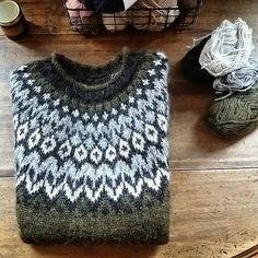Ravelry: Project Gallery for Riddari pattern by Védís Jónsdóttir Sweater Knitting Patterns, Knitting Designs, Crochet Crafts, Knit Crochet, Norwegian Knitting, Icelandic Sweaters, Vintage Sewing Notions, Fair Isle Knitting, Retro Outfits