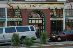 The Irish Pub across the street from our holiday flat in Salem.  How handy!   They say they pour a pretty decent Guinness...we'll see.  O'Neill's Irish Pub, Washington Street, Salem, MA by sagarmohan, via Flickr
