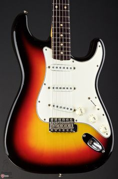 1961 Fender Stratocaster > Guitars : Electric Solid Body | Gbase.com
