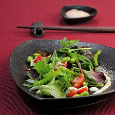 Japanischer Salat mit frischen Sojabohnen