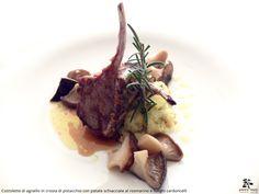 Costoletta di agnello in crosta di pistacchio con patate schiacciate al rosmarino e funghi cardoncelli - Spirito Mediterraneo Modica