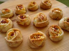 Finger Food Appetizers, Appetizer Recipes, Sweets Recipes, Cooking Recipes, Greece Food, Thanksgiving Appetizers, Greek Recipes, No Bake Cake, Food Network Recipes