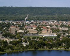 Nice picture of the campus from Garvin Heights, by TGrier