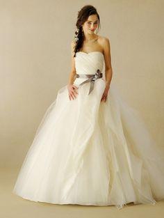 \これは試着するべき/marry選挙で決めたタカミブライダルの〔本当に可愛い〕ドレスランキング発表♡にて紹介している画像 W Dresses, Party Wear Dresses, Bridal Wedding Dresses, White Wedding Dresses, Top Wedding Dress Designers, Fairy Dress, Bridal Sash, One Shoulder Wedding Dress, Marie