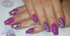 Diva Glitter Acryl: http://www.metoenailsforyou.nl/c-2142465/diva-glitter/