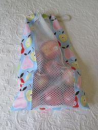 Saco de tecido com ventilação para conduzir frutas.