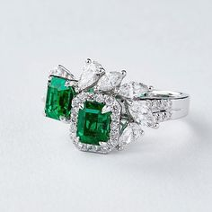 QIU Fine Jewelry QIU Fine Jewelry ring with emeralds and diamonds from Shanghai/Shanghai 2017 collection Wedding Rings For Women, Wedding Ring Bands, Diamond Gemstone, Gemstone Rings, Diamond Rings, Art Deco Jewelry, Fine Jewelry, Pandora Jewelry, Jewelry Rings