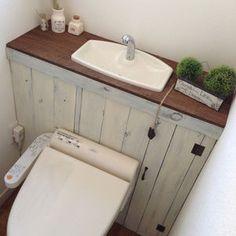 トイレタンクを上手に隠すDIY(タンクレス)が素敵ですね♡そのままインテリアを飾ったり、テーマに合わせた空間になっていますよ。こんなトイレなら出たくないかもよ…...