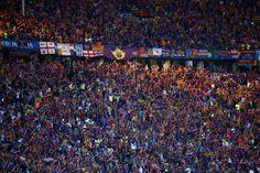 La afición del Barcelona se hace notar en el estadio.