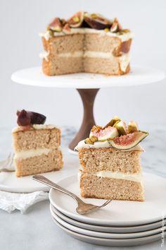 Honey Earl Grey Fig Cake- The Little Epicurean - special cake Tea Recipes, Cupcake Recipes, Dessert Recipes, Summer Picnic Desserts, Mnm Cake, Earl Grey Cake, Catering Food Displays, Individual Cakes, Tea Cakes
