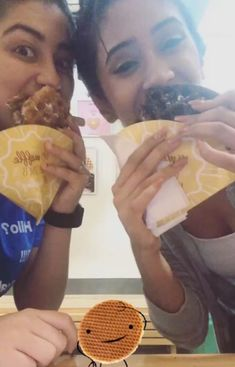 ᴘɪɴᴛᴇʀᴇsᴛ: @pallavibhoyar _ ♛ Aditi Bhatia, Teen Actresses, Pretzel Bites, Food, Meal, Eten, Meals